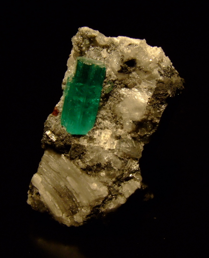 how to identify a real emerald