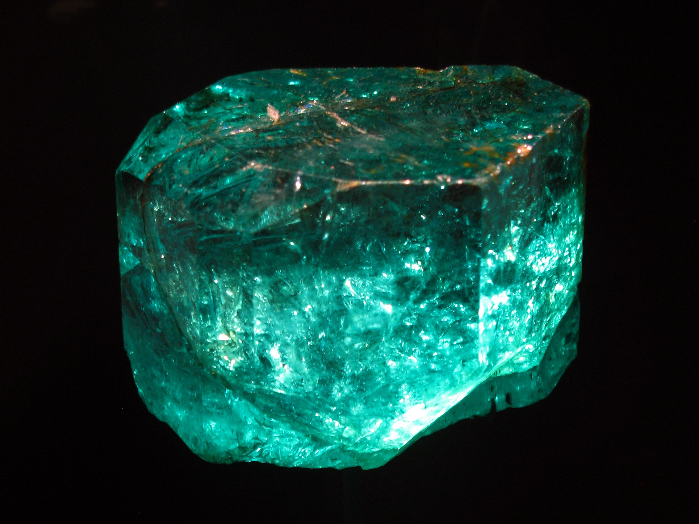 stone buy crystals fine a emerald blog another natural talismans illustrates that planetary the gemstone fb gemstones know example and between difference real online