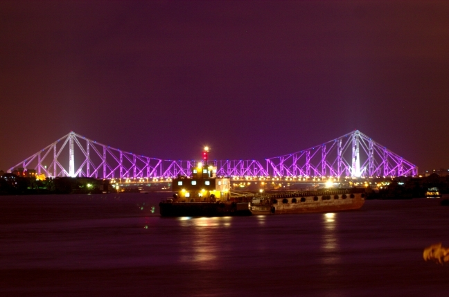 What are the places to visit in Kolkata