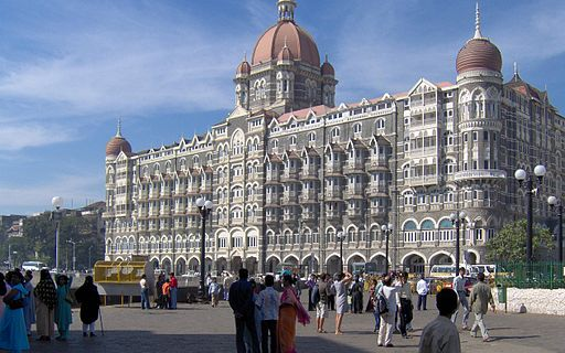 What is the best place to live in Mumbai