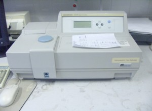 Difference Between Transmittance and Absorbance - A Spectrophotometer