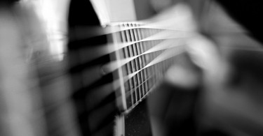 Difference Between Harmonics and Overtones - Guitar_strings