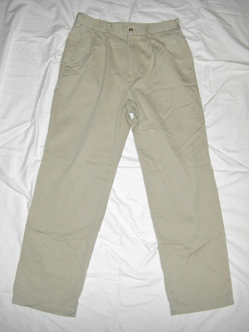 Main Difference - Chinos vs Khakis