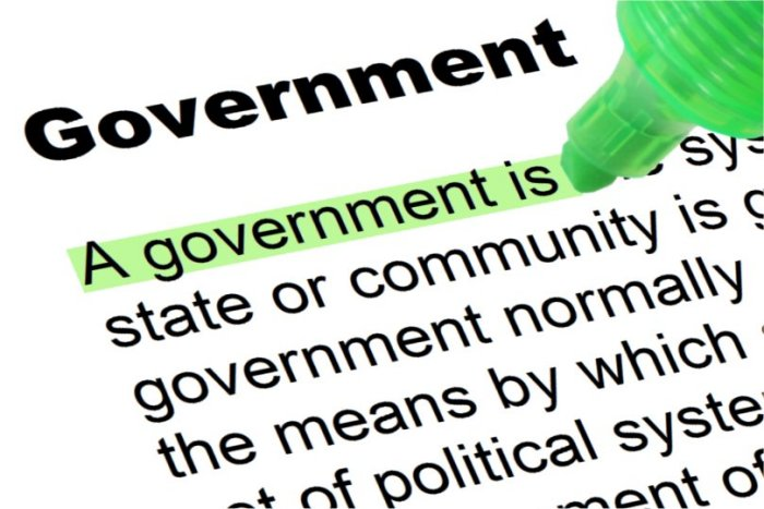 Difference Between Government and Politics