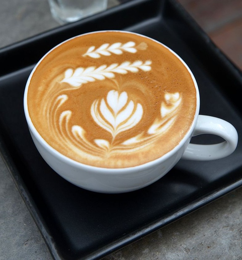 What are the Different Types of Coffee - Caffé Latte