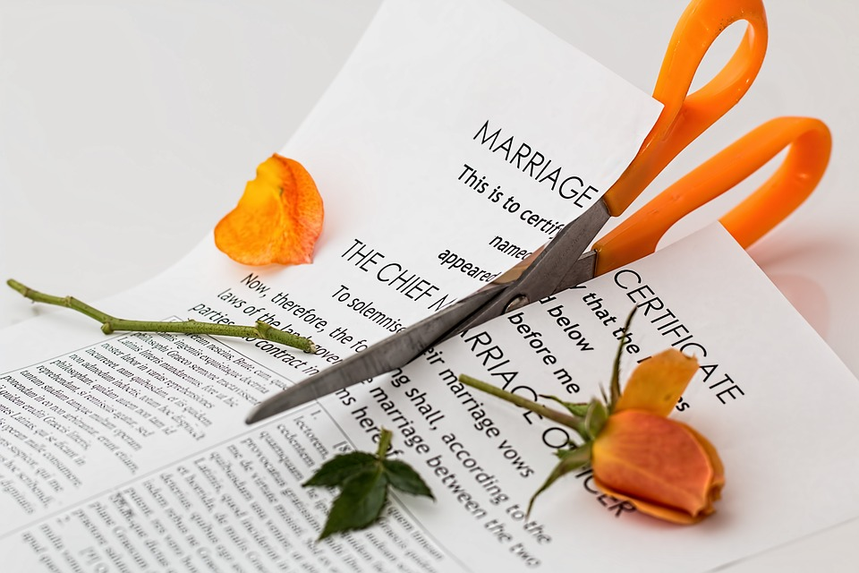 Difference Between Alimony and Spousal Support