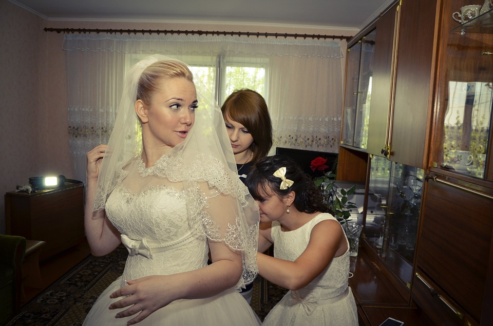 Main Difference - Maid vs Matron of Honor