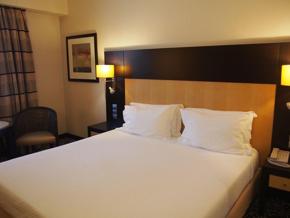 Perbedaan Utama - Hotel Bintang 2 vs 3