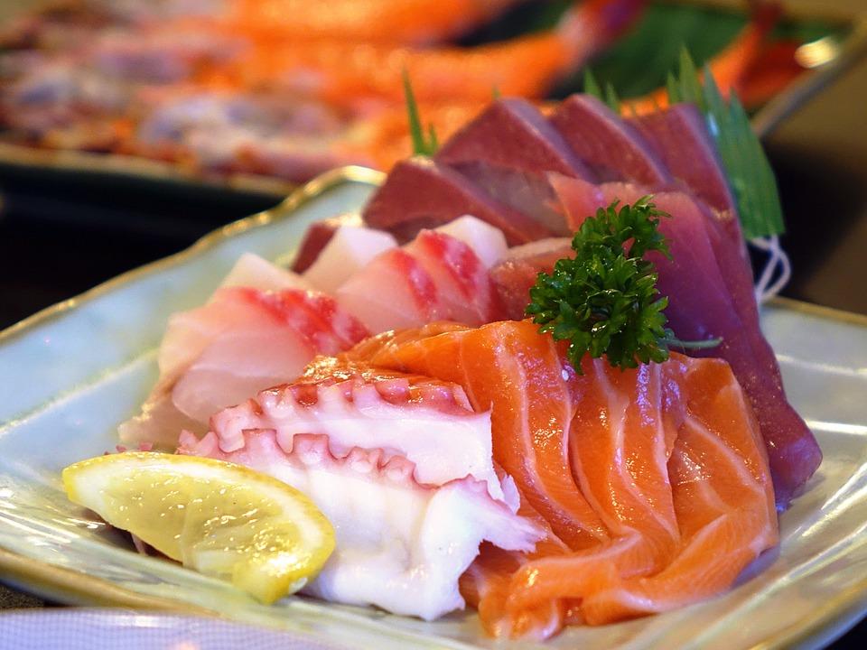 Main Difference - Sushi vs Sashimi
