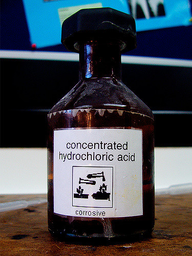 Difference Between Hydrochloric Acid and Sulfuric Acid