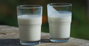 Difference Between Buttermilk and Milk