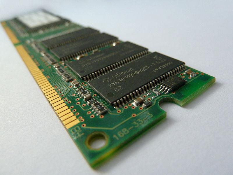 Main Difference - Volatile Memory vs Nonvolatile Memory
