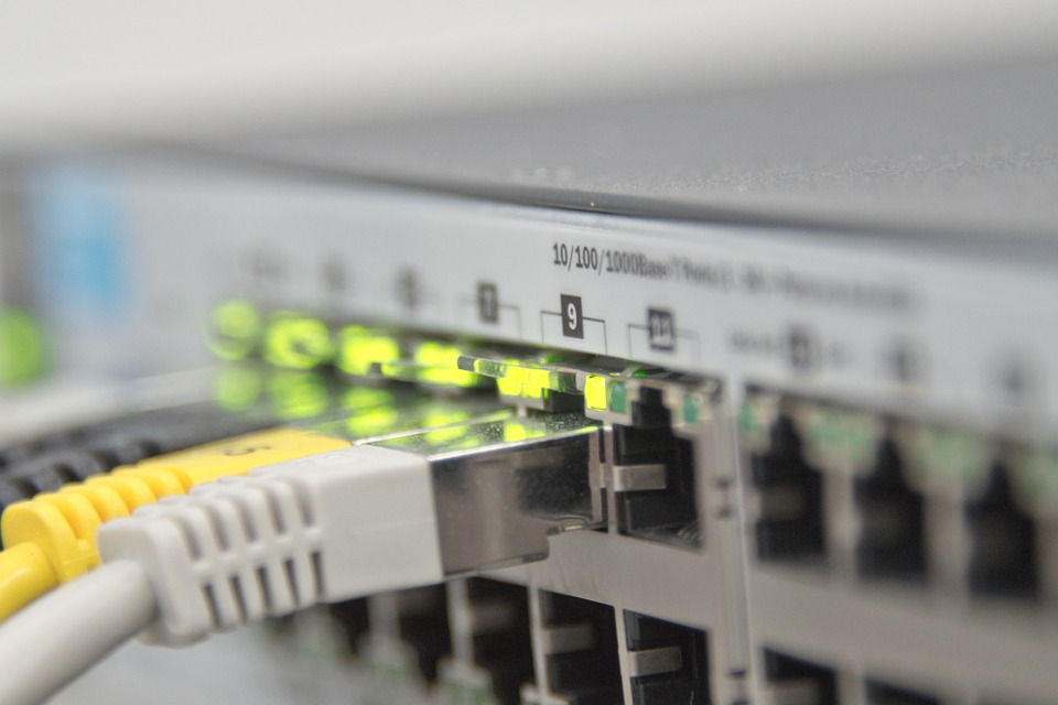 Main Difference - Internet vs  Ethernet