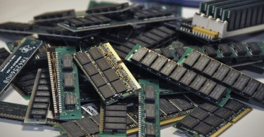 Difference Between Register and Main Memory