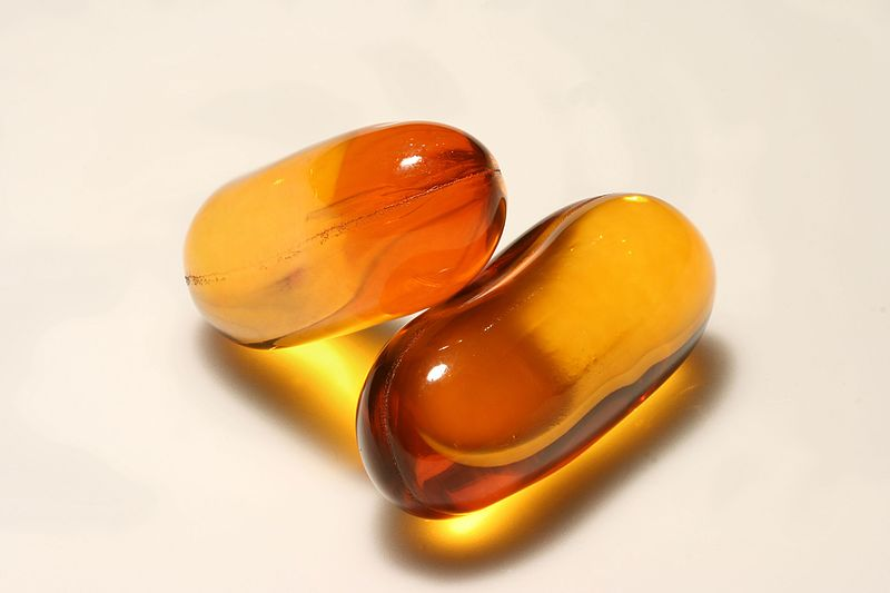 Main Difference - Folic Acid and Fish Oil