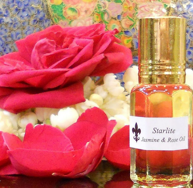 Difference Between Fragrance Oil and Essential Oil