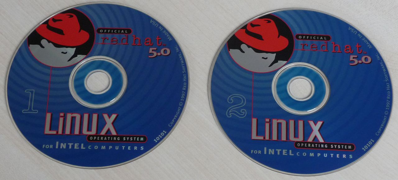 Main Difference - CentOS vs Red Hat
