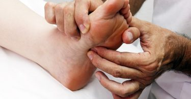 Difference Between Massage and Reflexology