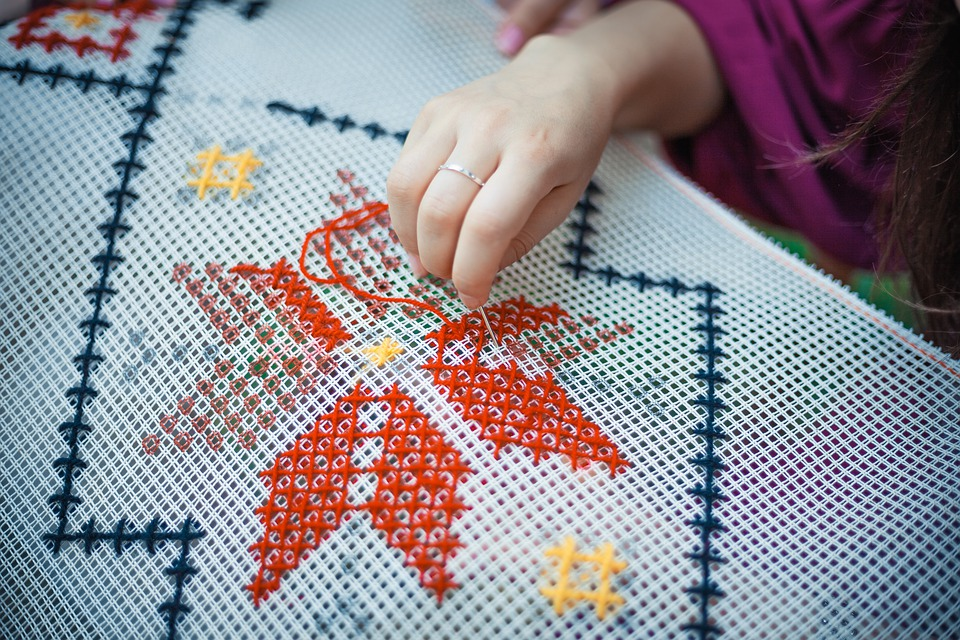 Difference Between Needlepoint and Embroidery
