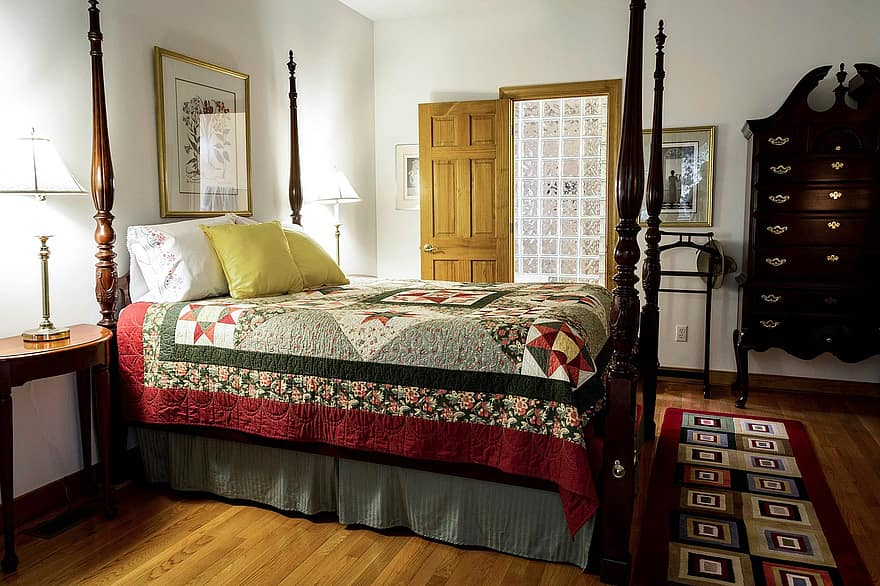 Difference Between Quilt and Coverlet