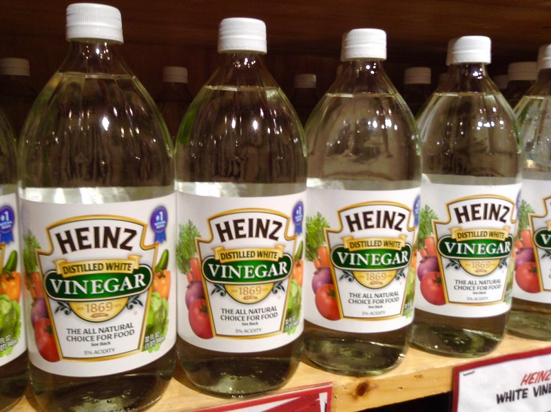Difference Between White Vinegar and Distilled Vinegar