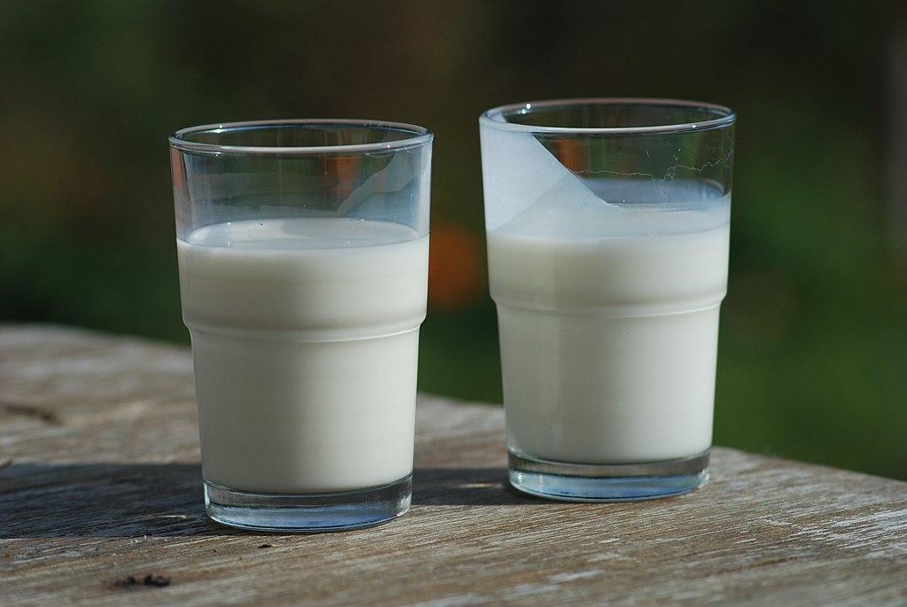 Main Difference - Buttermilk vs Sour Milk