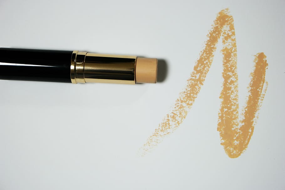 Main Difference - Concealer vs Corrector