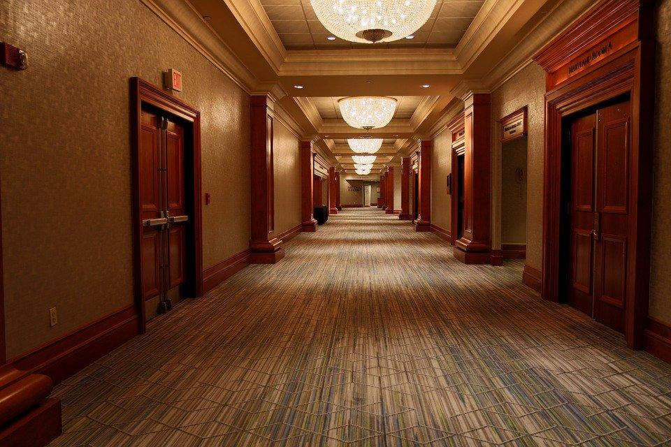 Difference Between Corridor and Hallway