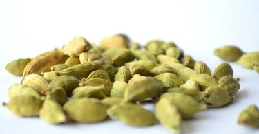 Difference Between Green and Black Cardamom