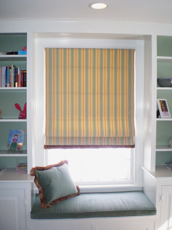 Difference Between Roller Blinds and Roman Blinds