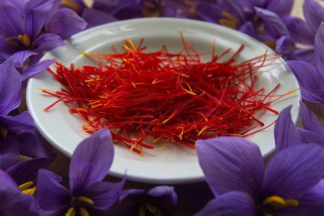 Difference Between Saffron and Turmeric