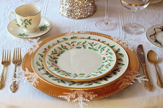Main Difference - Ceramic vs Porcelain Dinnerware