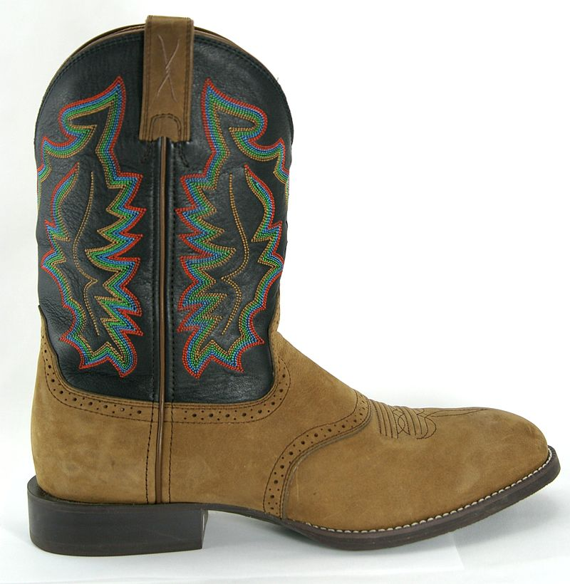 Main Difference - Cowboy Boots vs Ropers