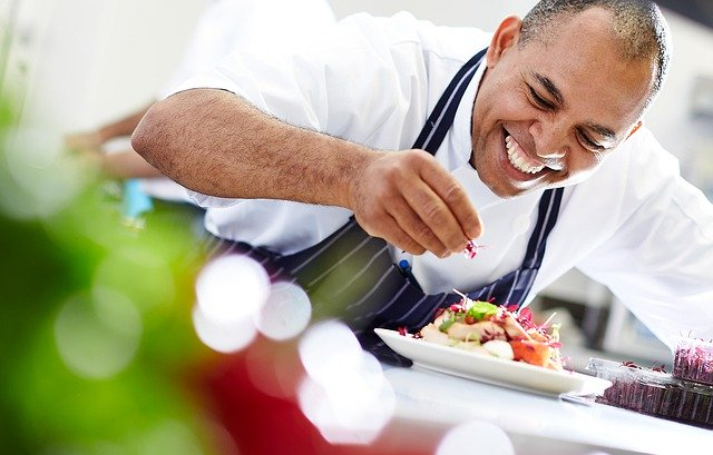 Difference Between Culinary Arts and Culinary Management