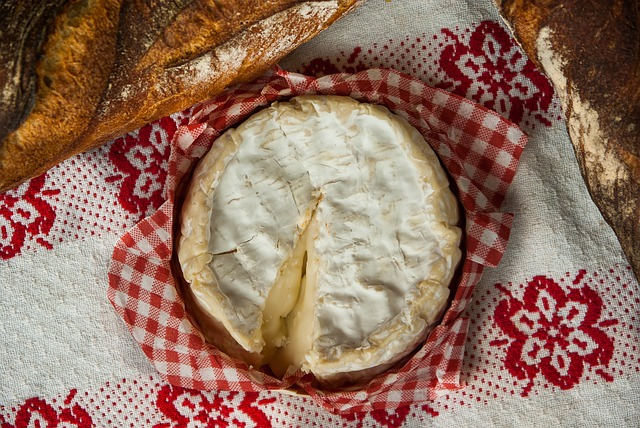 Difference Between Brie and Camembert