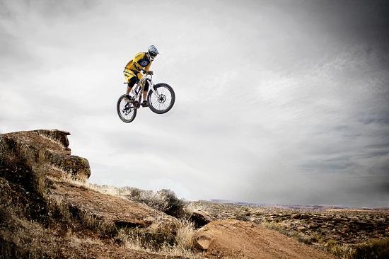Main Difference - Downhill vs Enduro