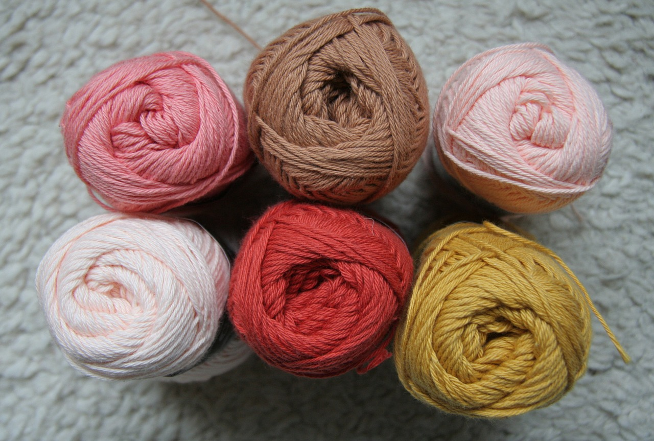Difference Between Spun Yarn and Filament Yarn