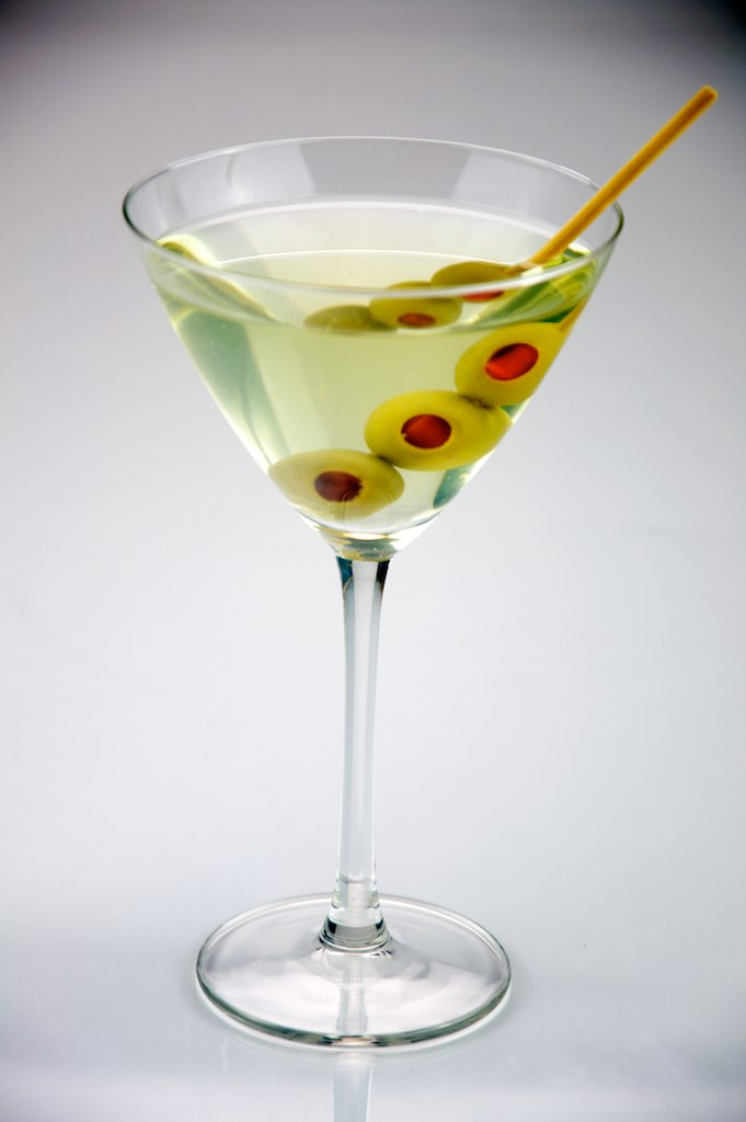 Main Difference - Martini vs Dirty Martini