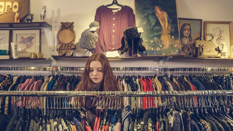 Difference Between Online Shopping and Traditional Shopping