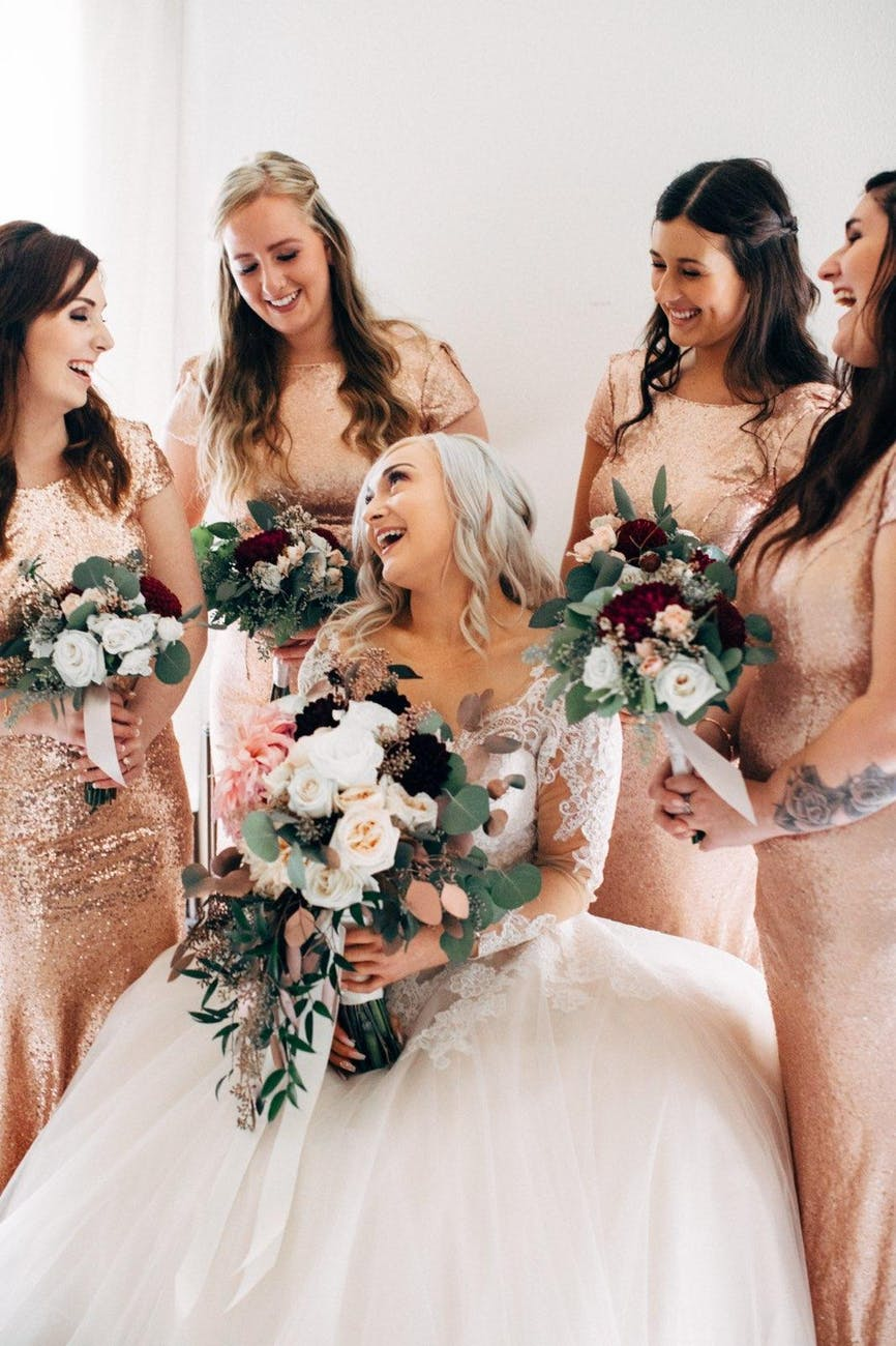 Difference Between Bridesmaid and Maid of Honor
