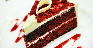 Difference Between Red Velvet and Chocolate Cake