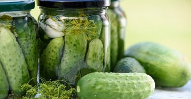Difference Between Fermenting and Pickling