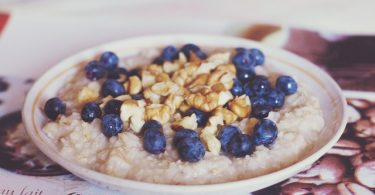 Difference Between Oatmeal and Porridge