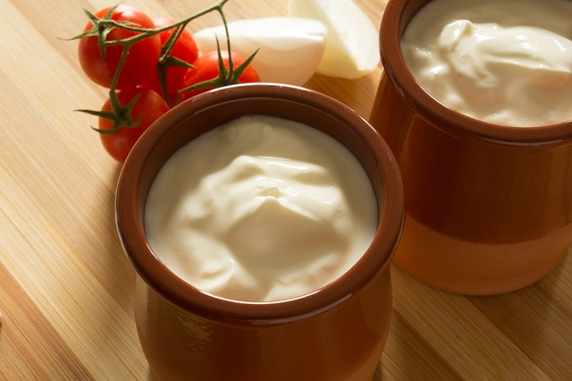 Compare Sour Cream and Whipping Cream
