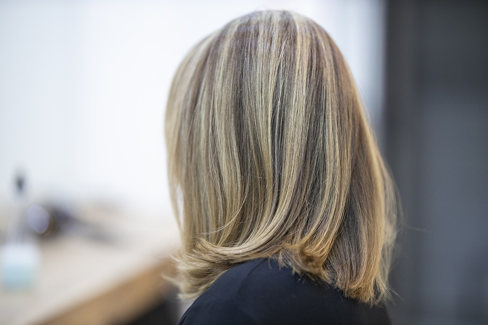 Compare Hair Relaxing and Rebonding