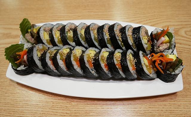 Compare Kimbap and Sushi