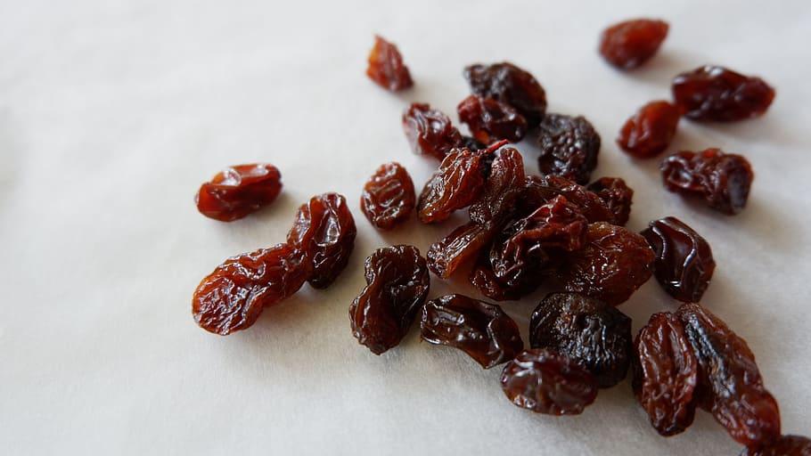 Compare - Prunes and Raisins