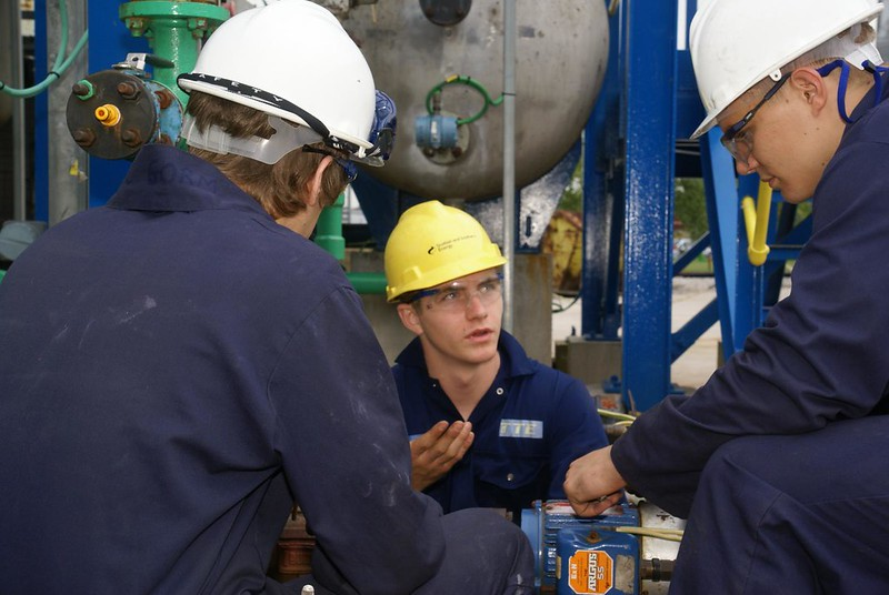 Internship and Apprenticeship - What is the difference