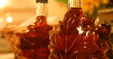Maple Syrup vs Golden Syrup